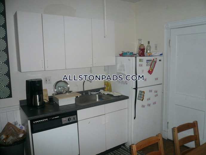 Boston - 4 Beds, 1 Baths