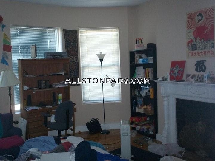BOSTON - ALLSTON, Highgate St.