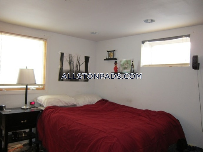 BOSTON - ALLSTON - 5 Beds, 2 Baths