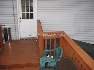 awesome-4-bed-2-bath-unit-on-linden-st-in-allston-boston-allston-3700-464552