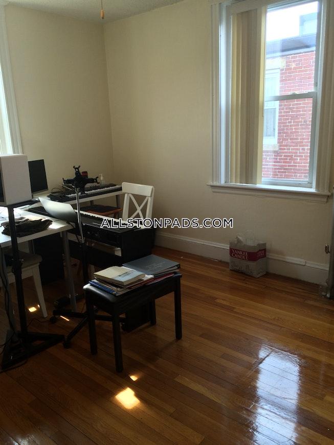 Boston - $1,675 /mo