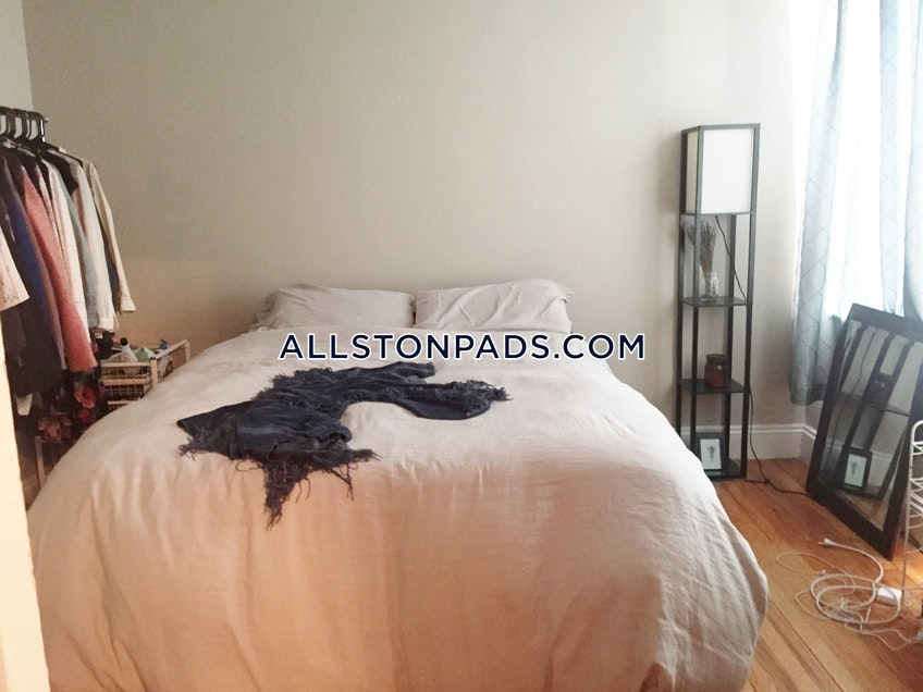 Boston - $1,700 /month