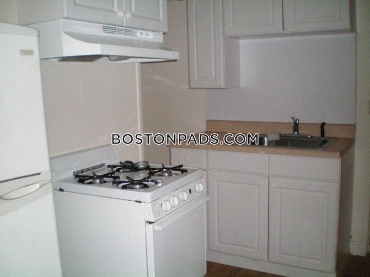 Commonwealth Ave. BOSTON - ALLSTON/BRIGHTON BORDER picture 3
