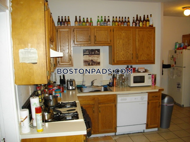 Boston - $2,500 /mo