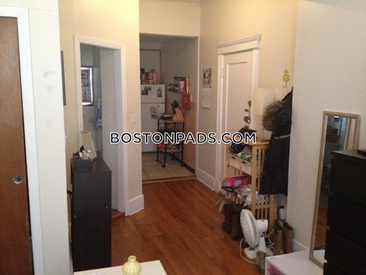Gordon St. Boston picture 7