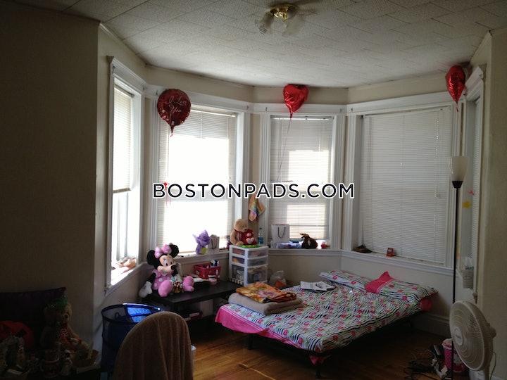 BOSTON - ALLSTON/BRIGHTON BORDER, Warren St.