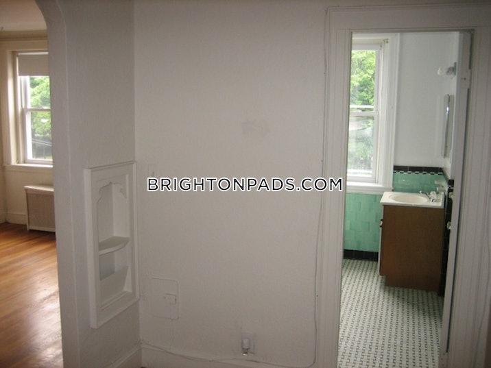 brighton-1-bed-1-bath-boston-1995-517377