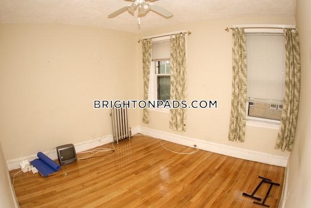 BOSTON - BRIGHTON - BOSTON COLLEGE - $2,050
