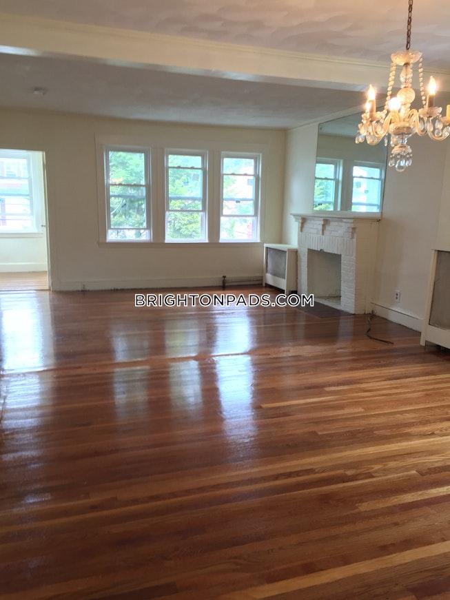 BOSTON - BRIGHTON - BOSTON COLLEGE - $5,200 /mo