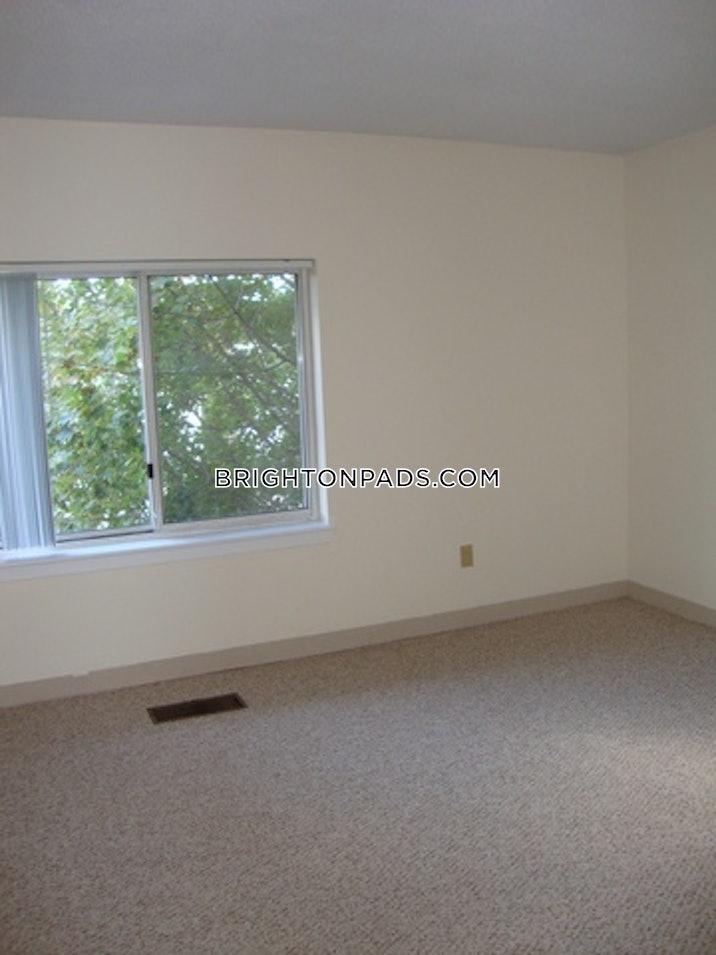 brighton-apartment-for-rent-3-bedrooms-15-baths-boston-3200-3786039