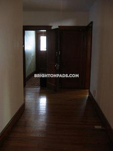 4-bed1-bath-waiting-for-you-to-move-in-boston-brighton-brighton-center-2600-452167