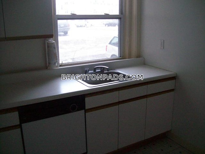 brighton-4-bed-2-bath-boston-boston-3000-523632