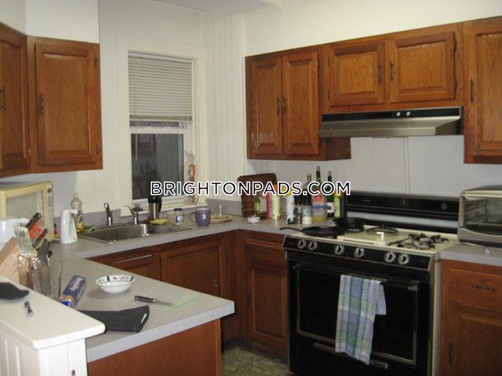 brighton-apartment-for-rent-3-bedrooms-1-bath-boston-2450-61740