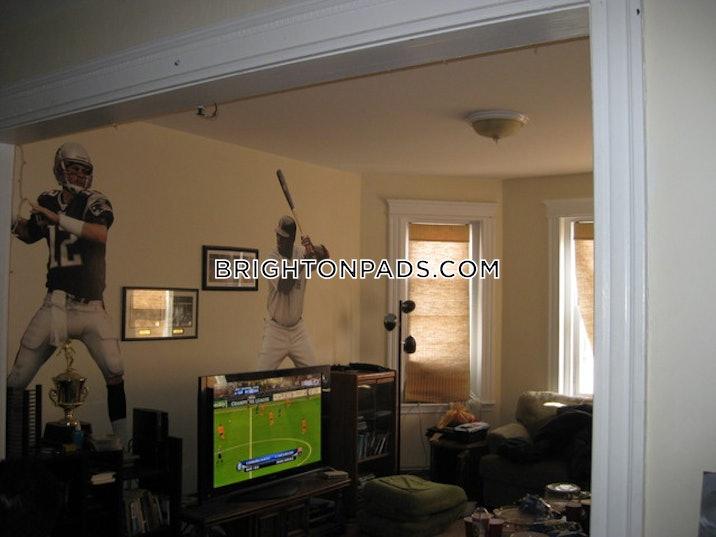 brighton-beautiful-four-bedroom-apartment-in-brighton-boston-3400-601137
