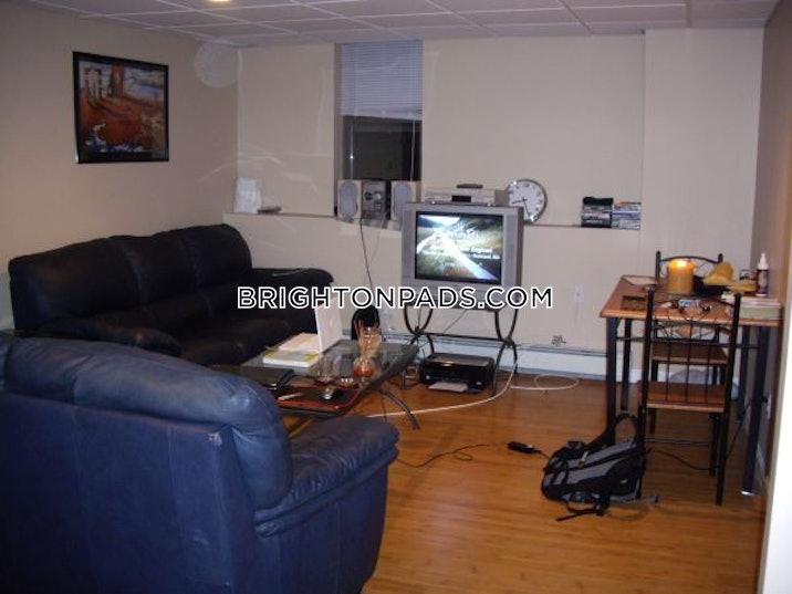 brighton-apartment-for-rent-3-bedrooms-1-bath-boston-2700-481270
