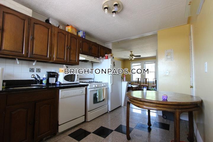 Commonwealth Ave. BOSTON - BRIGHTON - CLEVELAND CIRCLE picture 3