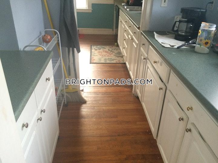 Beechcroft St. BOSTON - BRIGHTON - OAK SQUARE picture 9