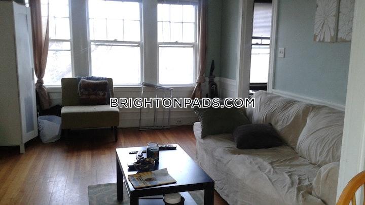 Beechcroft St. BOSTON - BRIGHTON - OAK SQUARE picture 1