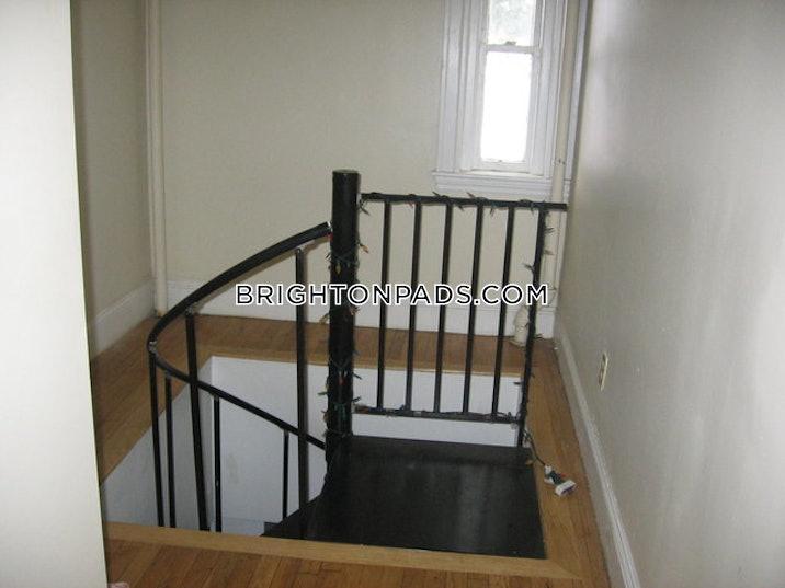 allstonbrighton-border-apartment-for-rent-2-bedrooms-1-bath-boston-2250-492137