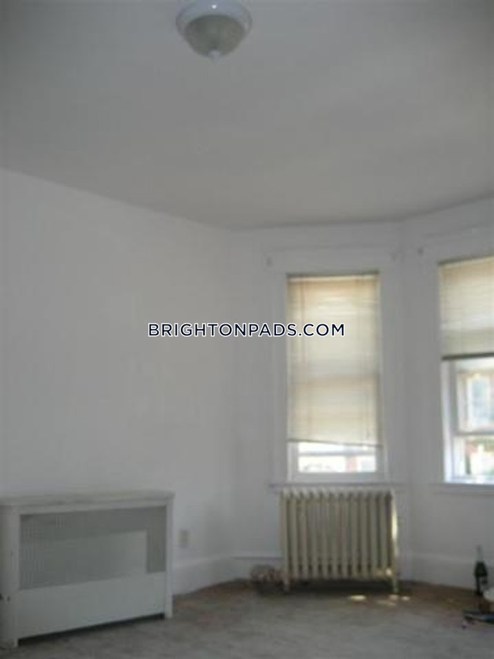 brighton-apartment-for-rent-4-bedrooms-2-baths-boston-2950-46067