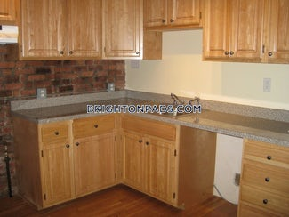 brighton-apartment-for-rent-4-bedrooms-2-baths-boston-3600-551298