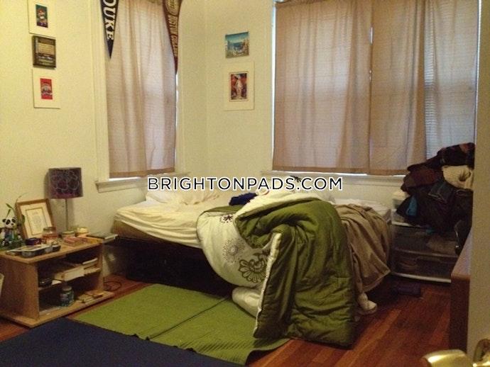 Boston - 4 Beds, 2.5 Baths
