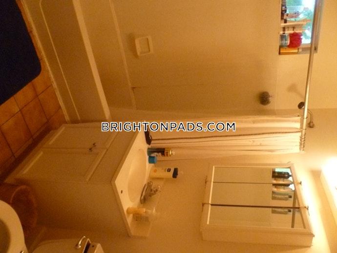 Brookline - 5 Beds, 2 Baths