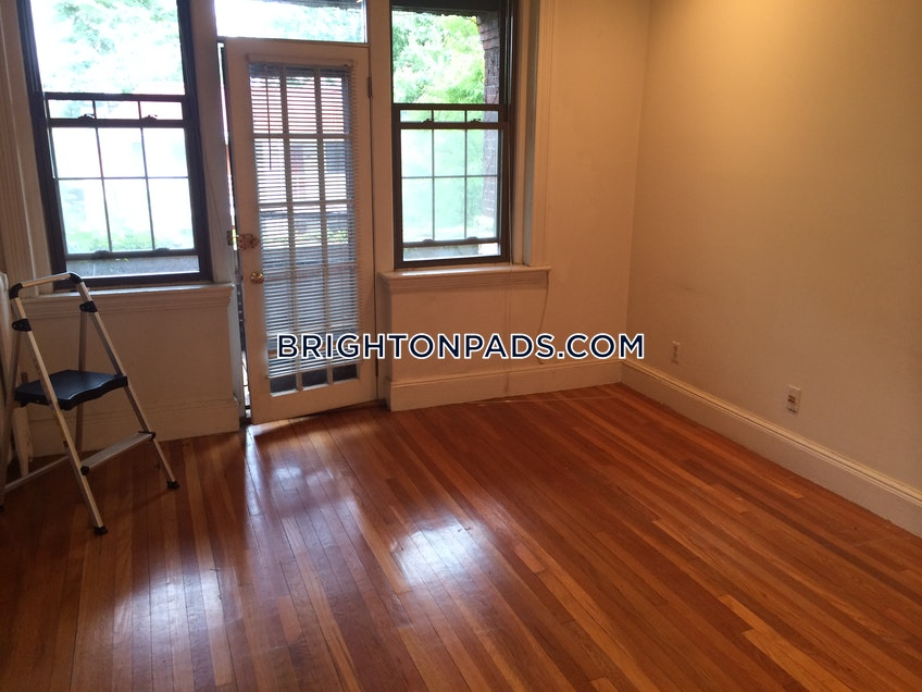 Boston - $2,200 /month