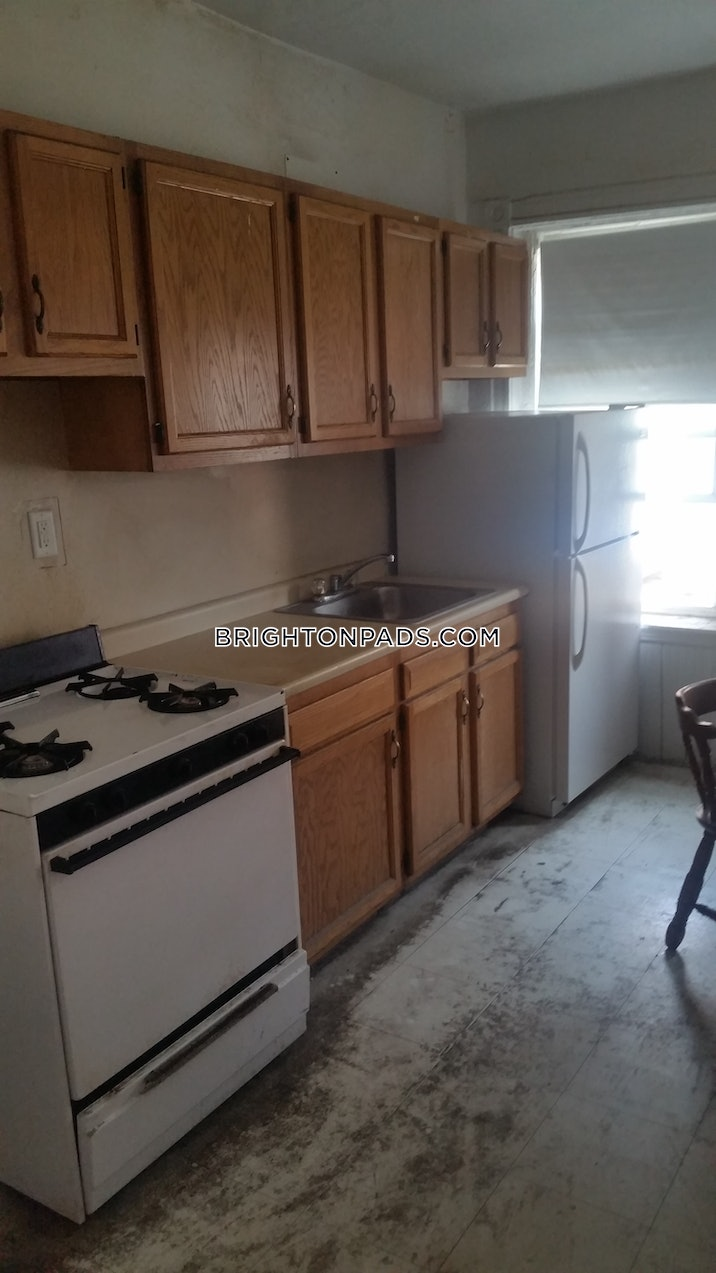 brighton-apartment-for-rent-3-bedrooms-1-bath-boston-3150-514395
