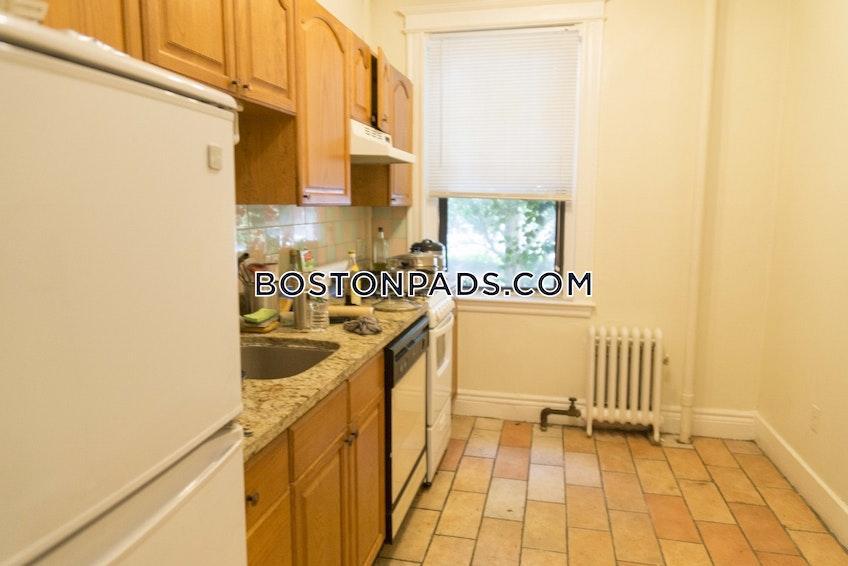 Boston - $1,995 /month