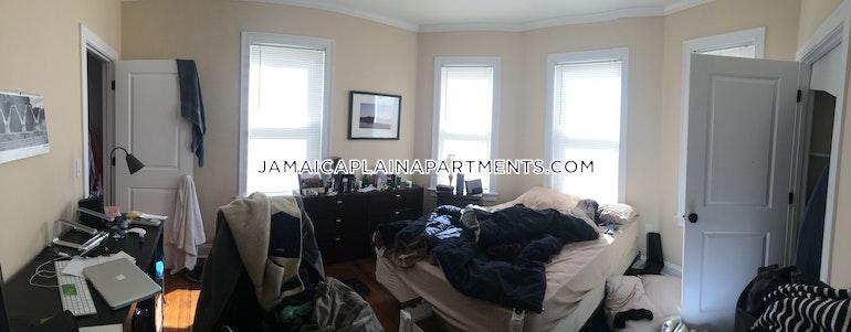 Johnson Ave. BOSTON - JAMAICA PLAIN - JACKSON SQUARE
