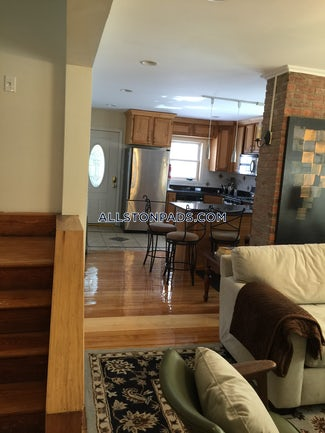 lower-allston-5-beds-3-baths-boston-5000-505228