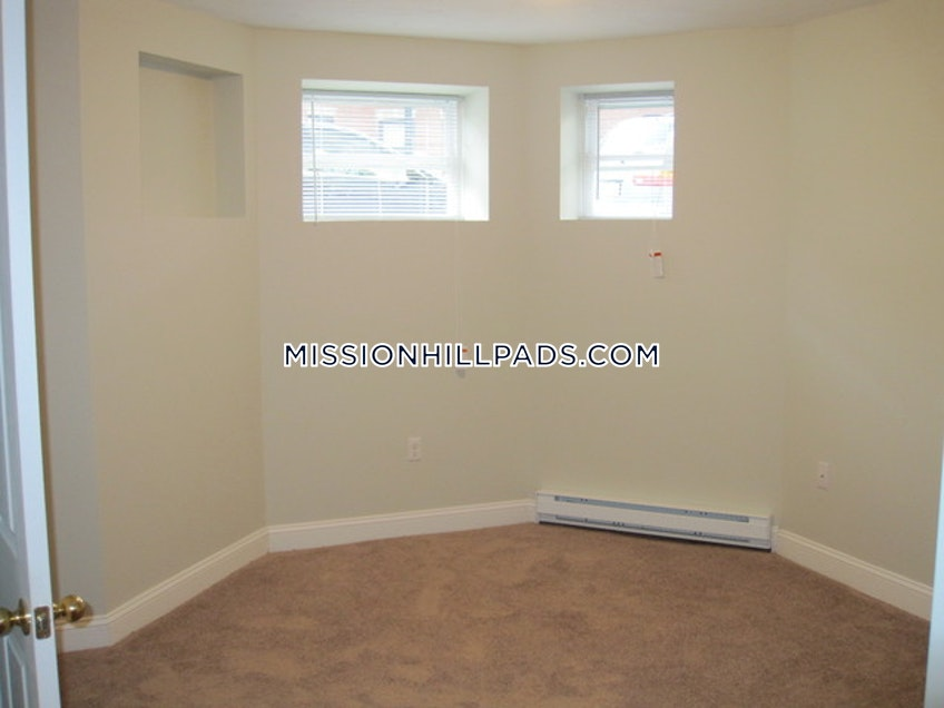 Boston - $1,795 /month