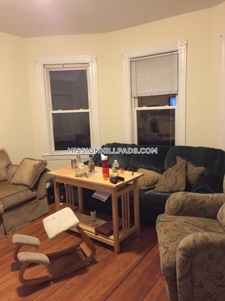 mission-hill-apartment-for-rent-5-bedrooms-1-bath-boston-4900-593560