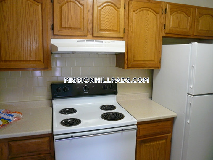 mission-hill-apartment-for-rent-2-bedrooms-1-bath-boston-2900-615938