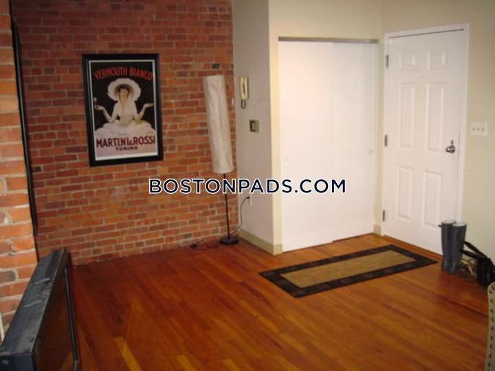 Gainsborough St. Boston picture 1