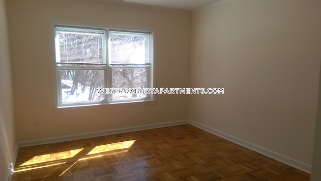 BOSTON - WEST ROXBURY - $3,080 /mo