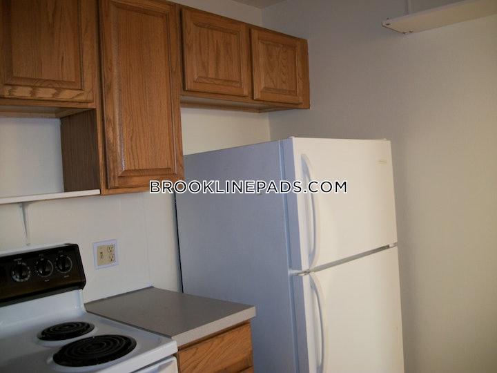 brookline-apartment-for-rent-2-bedrooms-1-bath-beaconsfield-2425-381022