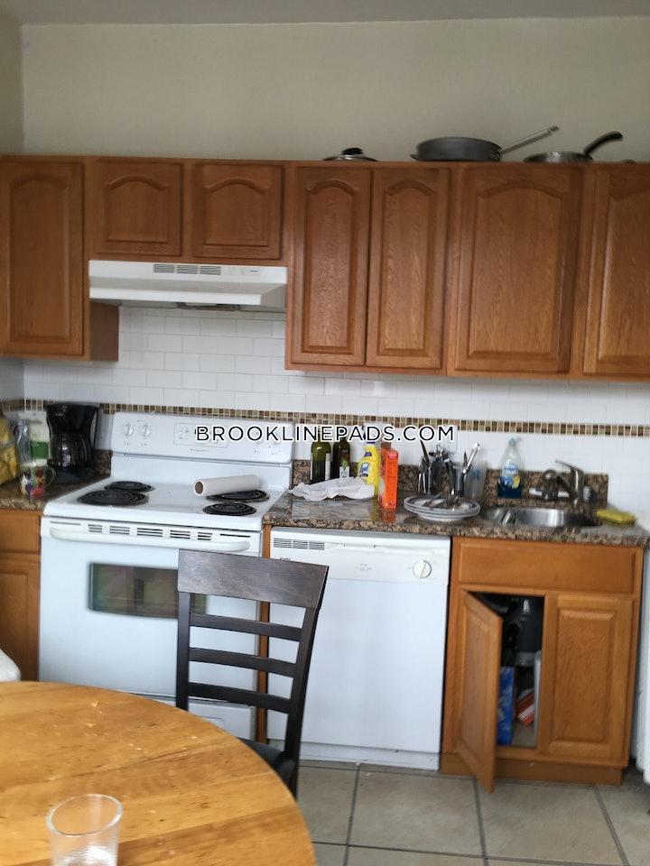 brookline-deal-alert-spacious-1-bed-1-bath-apartment-in-euston-st-boston-university-2700-596019