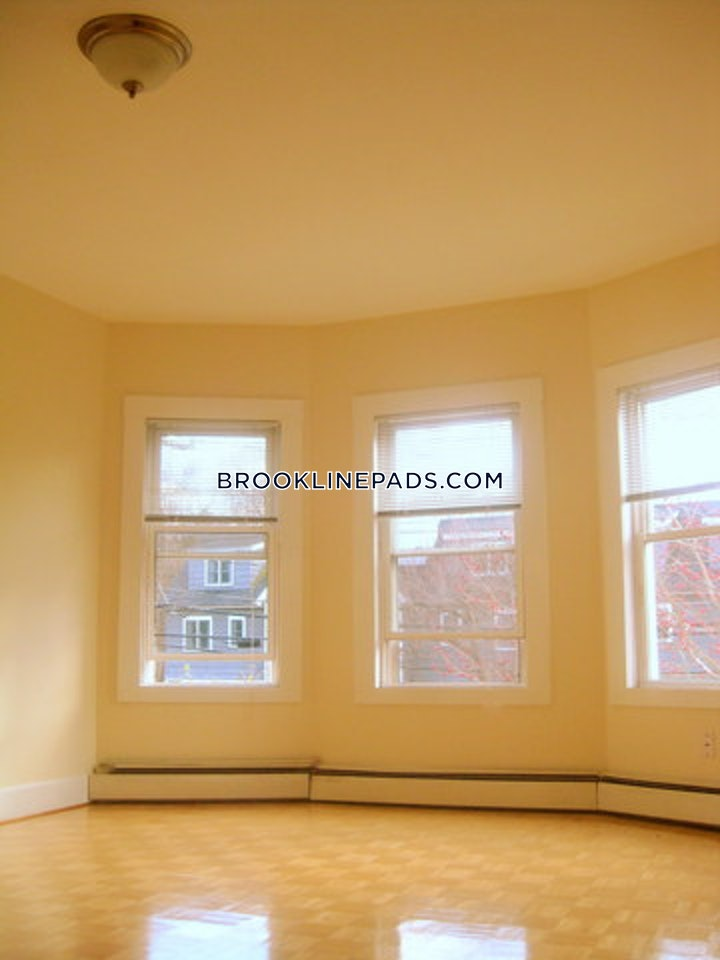 brookline-4-bed-and-1-bath-heat-and-hot-water-included-in-this-newly-renovated-unit-for-rent-located-on-high-street-in-brookline-brookline-village-3200-3795964