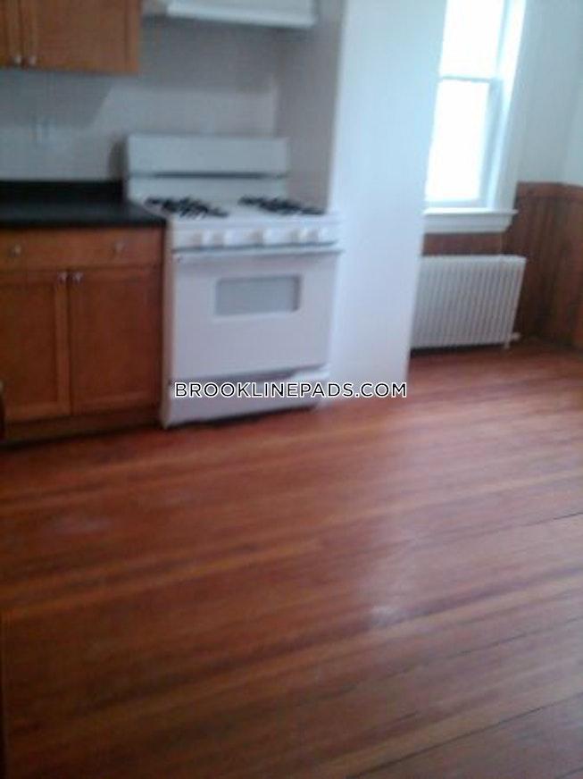 Brookline - $2,700 /mo
