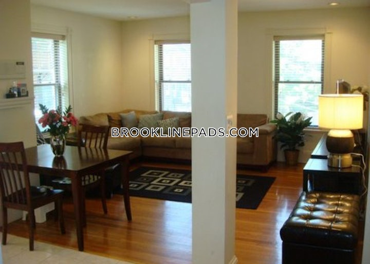 brookline-apartment-for-rent-3-bedrooms-15-baths-beaconsfield-3675-598620