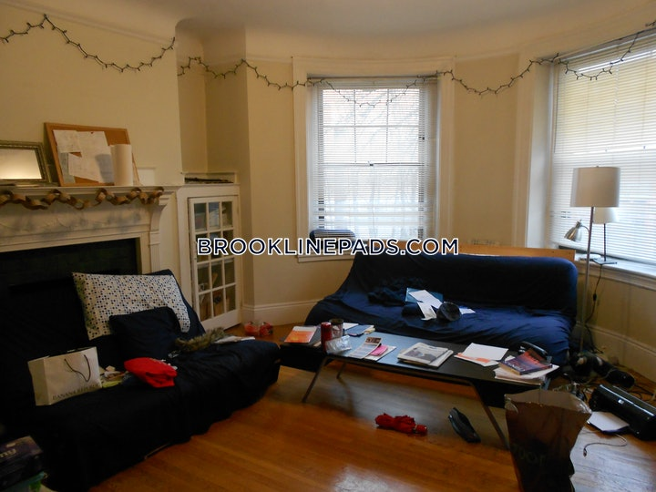 brookline-apartment-for-rent-3-bedrooms-1-bath-coolidge-corner-3800-546759
