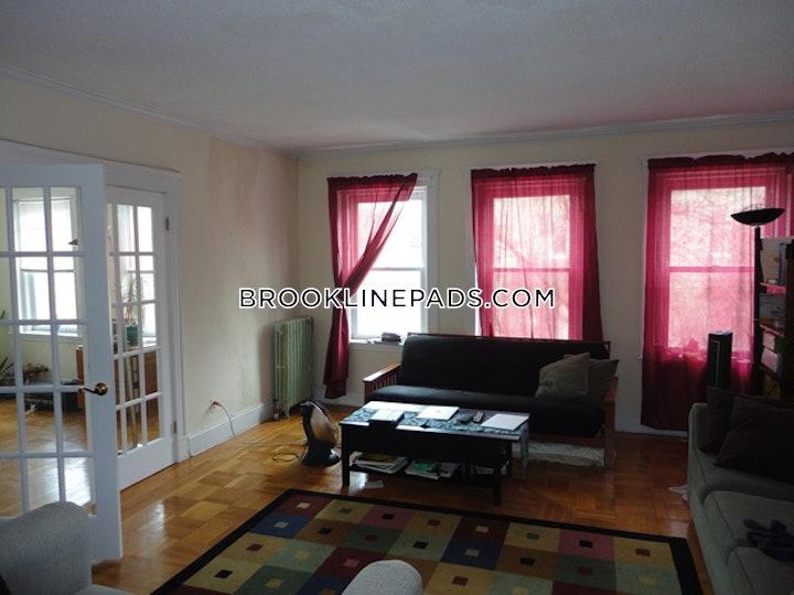 brookline-apartment-for-rent-3-bedrooms-1-bath-coolidge-corner-3500-488408