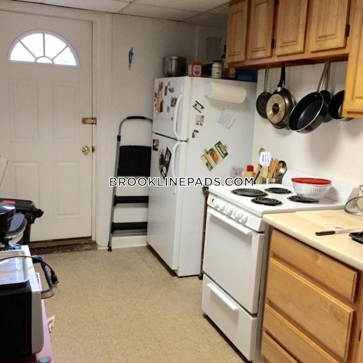 brookline-huge-3-bedroom2-bath-floor-through-apartment-great-condition-private-yard-longwood-area-3800-468331