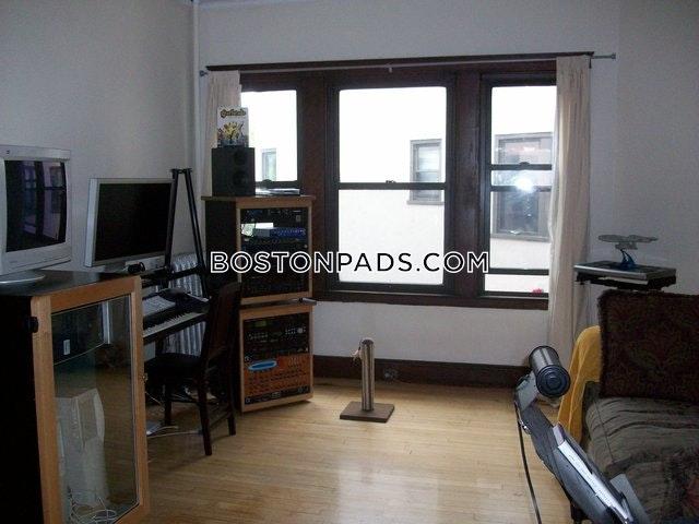CAMBRIDGE - CENTRAL SQUARE/CAMBRIDGEPORT - $2,175
