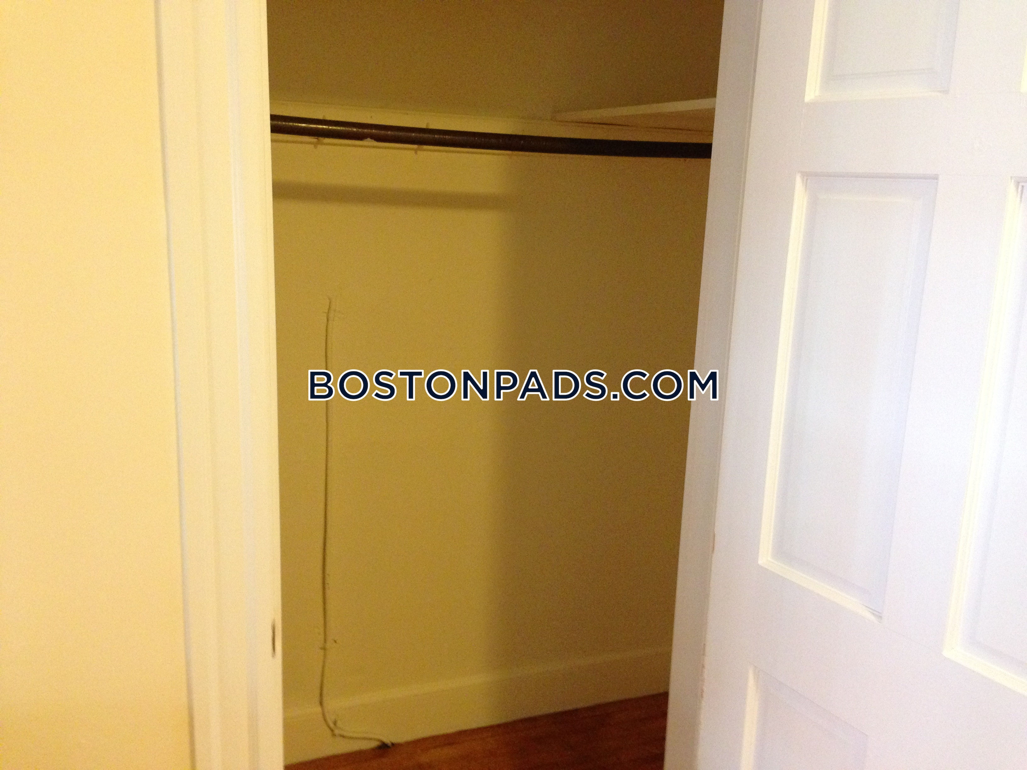 CAMBRIDGE - HARVARD SQUARE - $3,500