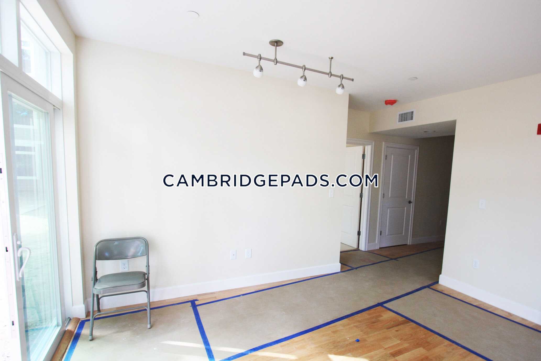 CAMBRIDGE - DAVIS SQUARE - $3,800
