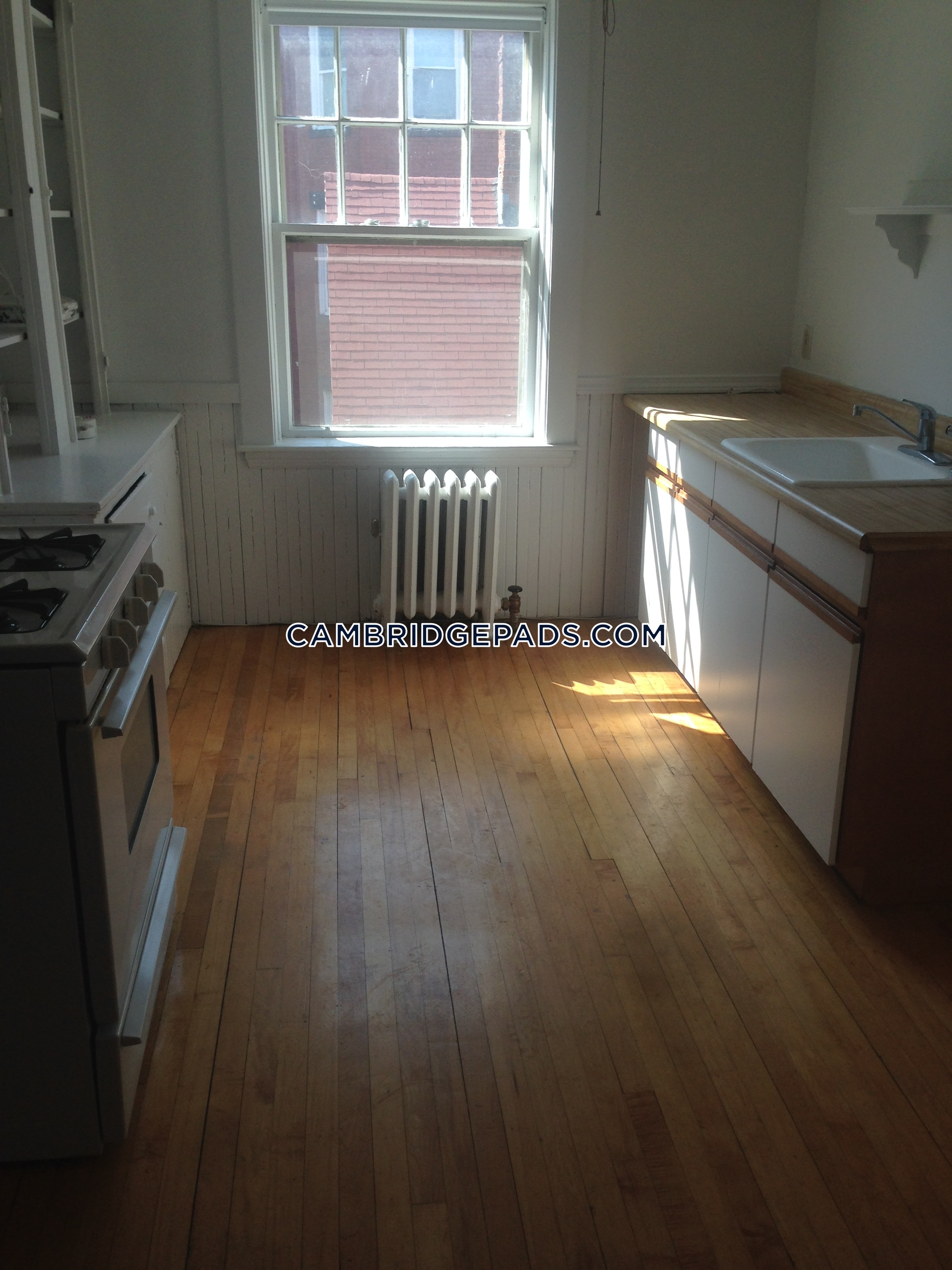 Cambridge - $3,200