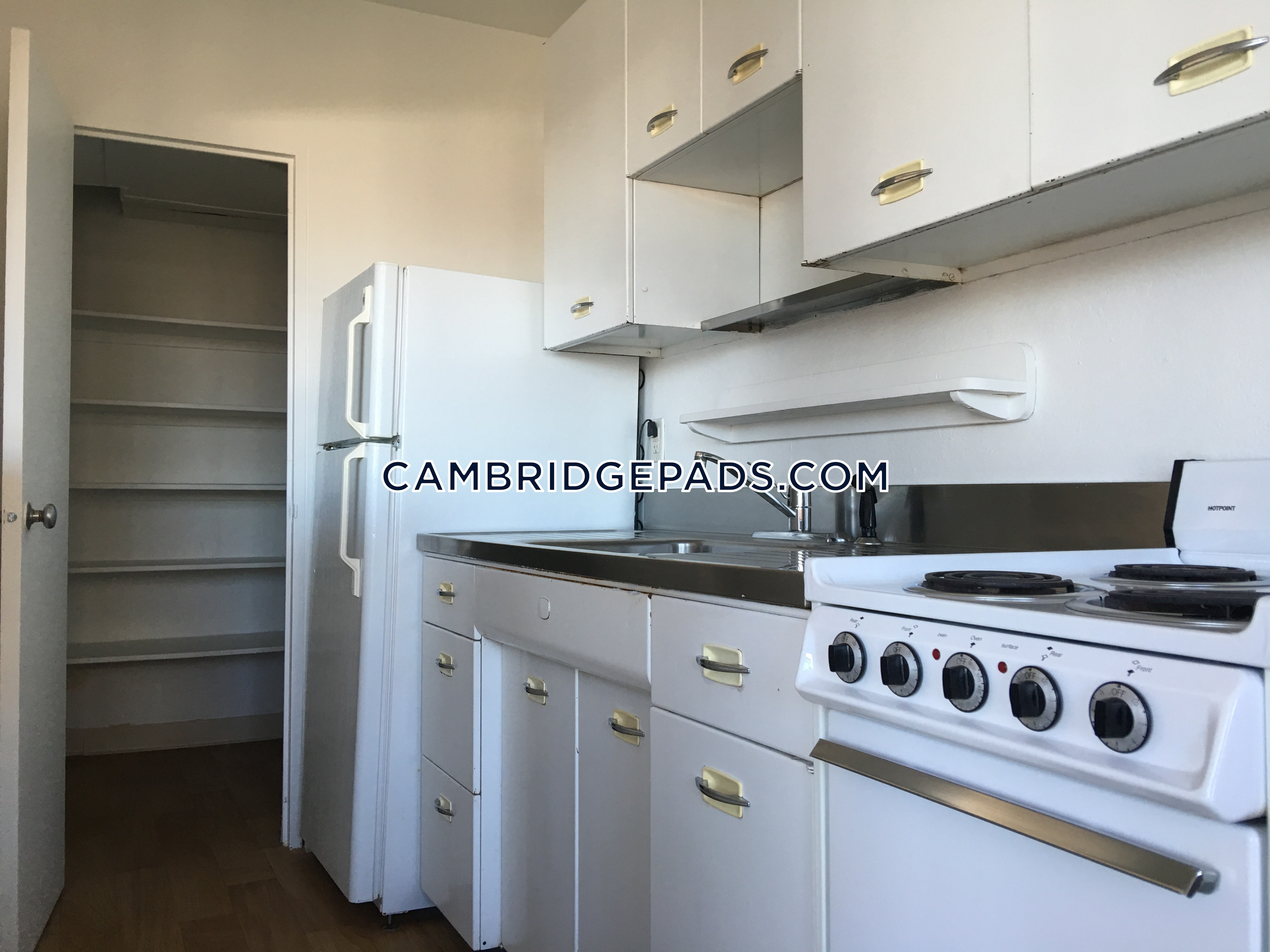 CAMBRIDGE - KENDALL SQUARE - $2,595